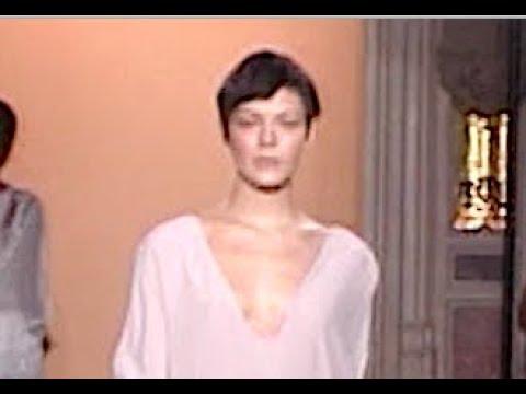 ANNE VALERIE HASH Spring Summer 2010 Paris - Fashion Channel видео