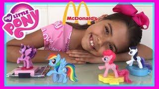 My Little Pony Mc Lanche Feliz Junho 2017 ( review) - BRINQUEDOS do McDonalds 2017  NICOLE DUMER: Galerinha, essas são as PONIES ( PONY) mais lindas que já vi e cada uma delas vem com um acessório super legal para vc brincar. COMPARTILHEM esse vídeo com seus amigos, deixem BASTANTE e se INSCREVA aqui no meu Canal que ficarei muito feliz! Um Super beijo e fiquem com Deus! INSCREVA-SE NO CANAL NICOLE DUMER: https://www.youtube.com/nicoledumerContato: E-mail: lorettadumer@outlook.comInstagram : https://www.instagram.com/nicole_dumer/Musical.ly: @nicole_dumerFacebook : https://www.facebook.com/NicoleDumer/Google Plus : https://plus.google.com/u/0/+nicoledumer❤️❤️❤️Estou esperando sua cartinha:NICOLE DUMERCAIXA POSTAL: 21807CEP: 29101-390VILA VELHA - ES 👉ASSISTA TAMBÉM:❤️ABRINDO BRINQUEDOS PORCARIA- My Little Pony, Squeeze, Jogo Cara a Cara: https://youtu.be/fd73wnnD4uk❤️A CHEGADA do MEU BEBÊ REBORN - MY REBORN BABY DOLL - RECEBIDOS DA CHINA BANGGOOD: https://youtu.be/UhdBvbOO17Q❤️3 DIY FIDGET SPINNER Hand Spinner como fazer: https://youtu.be/4V5bLWb0V0U