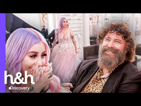 Quiere un vestido excéntrico para su boda oficiada por Mick Foley | Vestido de Novia | Discovery H&H