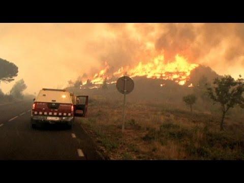 Μάχη με τις φλόγες σε Καταλονία και Γαλλία