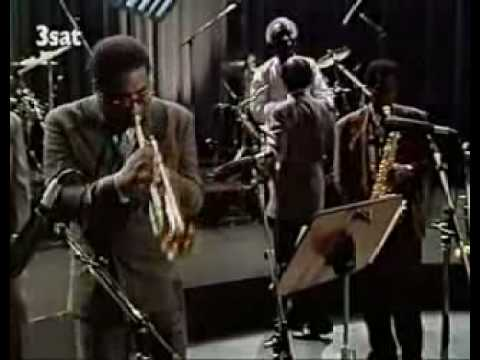 a la mode - Art Blakey's Jazz Messengers performing