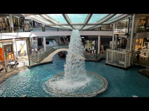 Vlog 13 Waterfall at Boat Ride in Marina Bay Sands in 4K UHD видео
