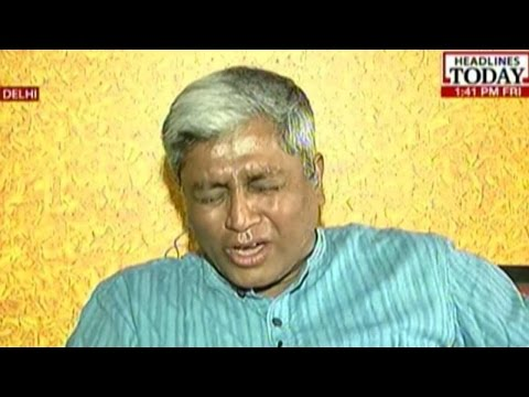 AAPs Ashutosh Breaks Down While Speaking With Gajendra Singhs Daughter