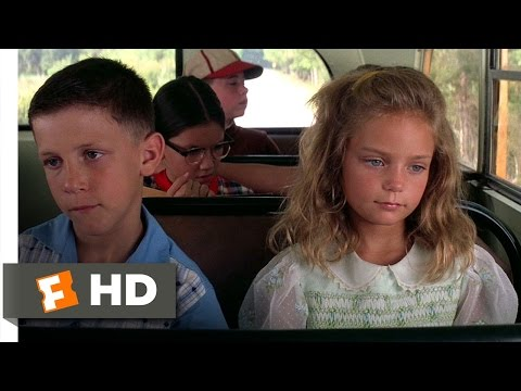 GUMP - Forrest Gump Movie Clip - watch all clips http://j.mp/wz9TPb click to subscribe http://j.mp/sNDUs5 Forrest (Tom Hanks) tells the story of how young Forrest (Michael Conner Humphreys) meets...
