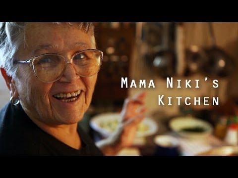 Mama Niki's Kitchen - How to make Greek style Gemistes (stuffed vegetables)
