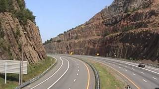 Hancock (MD) United States  city pictures gallery : USA, Maryland, I-68 - Sideling Hill, higway cut in mountain