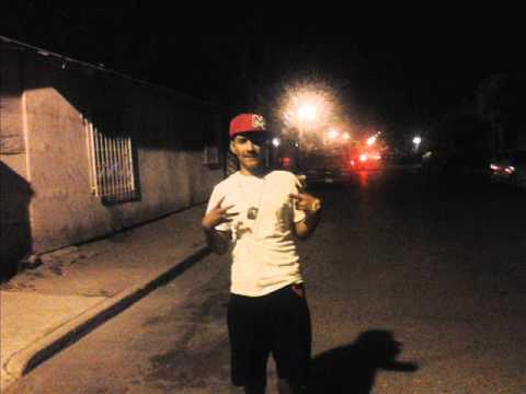 nuevo vídeo de los zetas - Banda delictiva que se hace llamar 4 vientos ZETAS en la Col. Madero Nuevo Laredo Tamaulipas. si reconoces a estos tipos denuncialos en nuestra web www.nuevo...