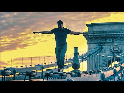 ويل سميث ينافس في تحدي InMyFeelings أعلى جسر في بودابست