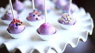 Cake pops (gâteaux-sucettes) à la vanille