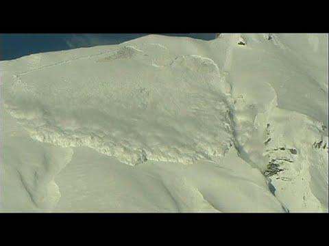 Swiss Alps: Six die in bad weather