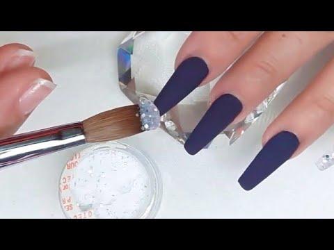 Uñas acrilicas - Uñas acrílicas morado oscuro con plata para quinceañera +3D