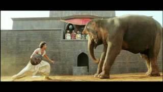 Video Jodhaa Akbar - Hrithik Roshan controls a wild Elephant HQ MP3, 3GP, MP4, WEBM, AVI, FLV Januari 2019