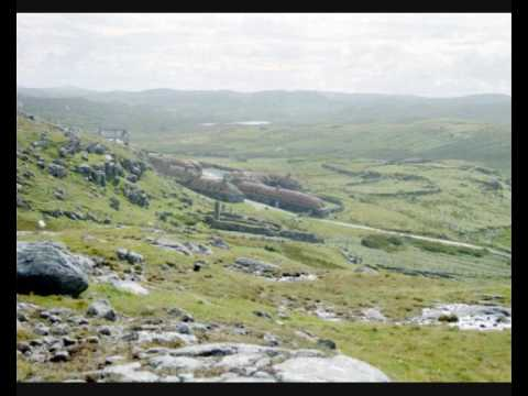 footstompin1 - Recorded on the Isle of Lewis. Psalm 46, verses 1 and 2. A unique sound in the world of music!