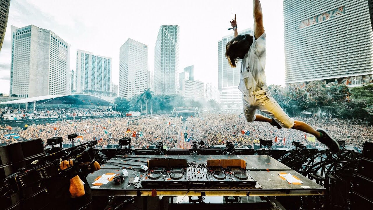 Steve Aoki - Live @ Ultra Music Festival Miami 2017