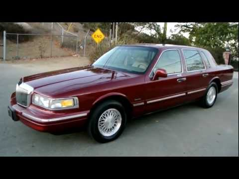 Ford lincoln town car фото