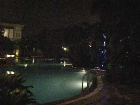 財神酒店泳池四周
