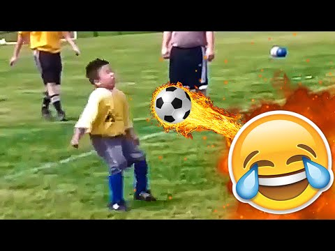 Soccer Head Butt Through Plastic in SnoopaVision - Thời lượng: 74 giây.