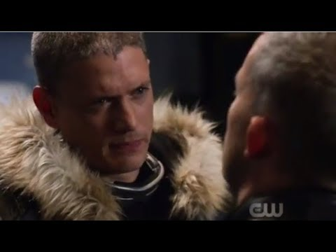 Leo Snart & Ray Kiss Scenes - Crisis on Earth X