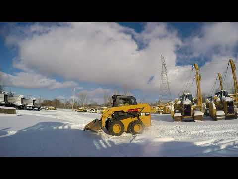 CATERPILLAR SKID STEER LOADERS 236D equipment video tzH8ZmKK5Ik