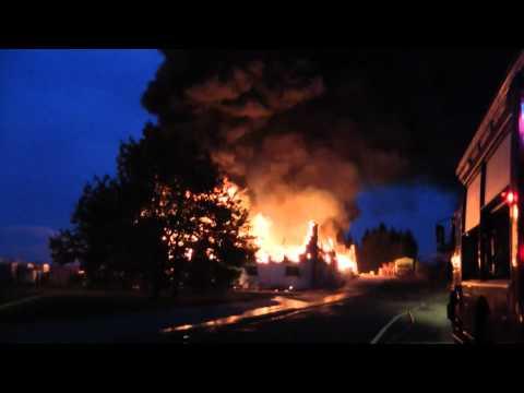 Feu d'entrepôt de produits chimiques Warehouse chemicals fire Lusigny France Allier