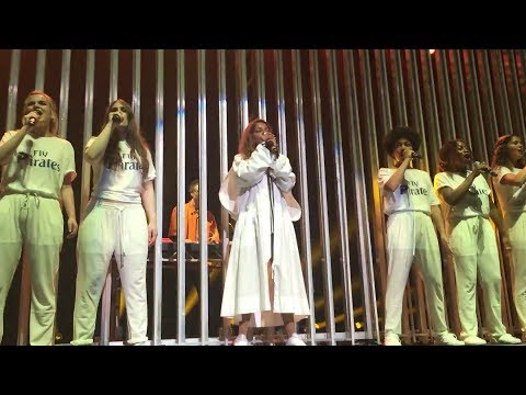 Video M.I.A. - Bird Song (Remix) & Freedun feat. Round House Choir live at MIA's Meltdown Festival (2017) download in MP3, 3GP, MP4, WEBM, AVI, FLV January 2017