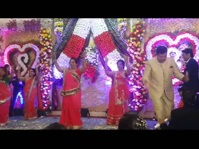 Moms dance performance son chiraiya akshara for Bano re bano meri chali sasural ko