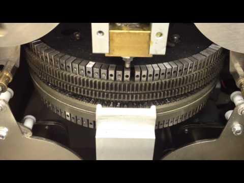 Эмбоссирование – это один из способов персонализации пластиковых карт. Эмбоссирование осуществляется путем нанесения (выдавливания) рельефной буквенно-цифровой информации на специальных аппаратах. Эмбоссирование выполняется на готовых (ламинированных и вырубленных) пластиковых карточках. Высота рельефных символов может быть 3 мм (Normal) или 4,5 мм (OCR). Большой шрифт может содержать только цифры: 0123456789. Малый шрифт – цифры и заглавные буквы русского и английского алфавитов, а также некоторые символы.