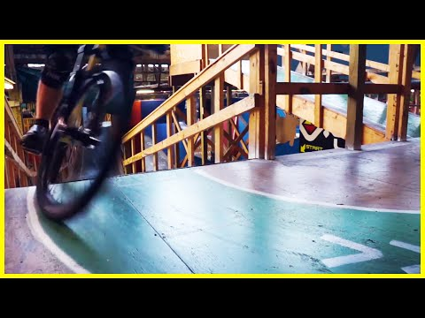 Rays Indoor Mountain Bike Park - Cleveland Ohio - Skatepark, Bike park, Pump track - Phil Kmetz