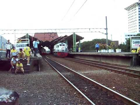 Kereta api : Gambir Station part I