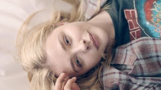 Nonton  Bareskinproject  Chloe Moretz Reveals Her Bare Skin With Sk Ii Facial Treatment Essence Film Subtitle Indonesia Streaming Movie Download