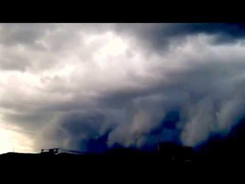 jose - Hyperlapse de llegada Huracán Odile. La toma está acelerada para demostrar más claramente el movimiento de las nubes. Captado durante una ráfaga que se presentó aproximadamente a las...