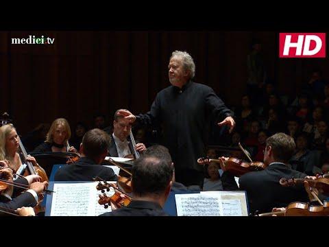 "Medici: John Nelson with Yi-Jia Susanne Hou – He Zhanhao / Chen Gang: Violin Concerto, ""Butterfly Lovers"""