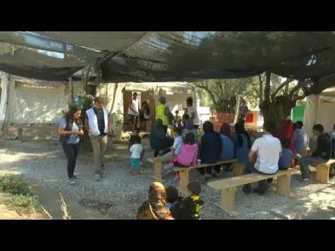 Video - Άρχισε η επιχείρηση αποσυμφόρησης της Μόριας - Μεταφέρονται στην περιοχή της Βόλβης στη Θεσσαλονίκη