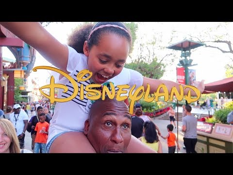 Our First Time At DISNEYLAND! California Adventure - Night Parade - Scary Roller Coaster Rides
