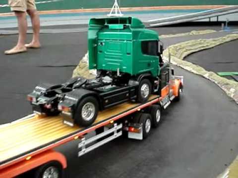 Camión de madera modelismo - Imágenes del evento organizado por el club V8 Camiones RC de Tordesillas en julio de 2010. Muchos de los camiones son de la marca Tamiya (se pueden adquirir ...