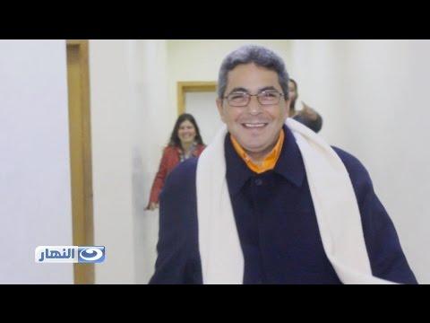 """محمود سعد يرتدي خاتمه المحروم منه في كواليس الحلقة الأخيرة من """"آخر النهار"""""""