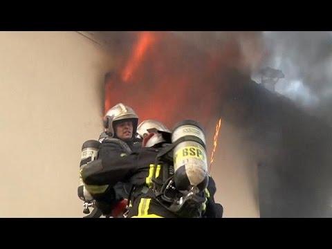 Παρίσι: Πέντε άνθρωποι απανθρακώθηκαν εξαιτίας πυρκαγιάς που ξέσπασε σε πολυκατοικία