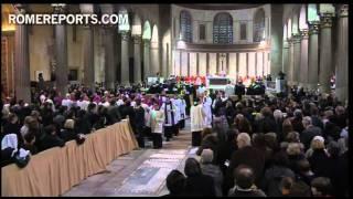 L'imposition des cendres à Benoît XVI