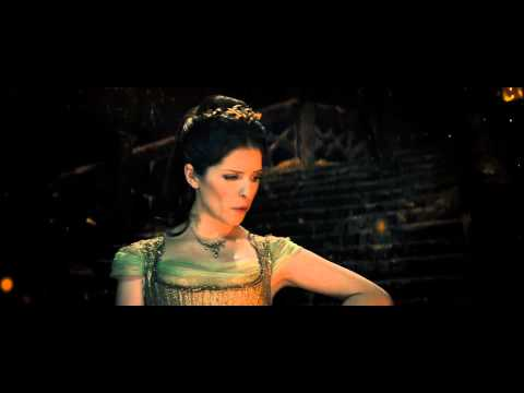 Into the Woods (Clip 'On the Steps of the Palace')
