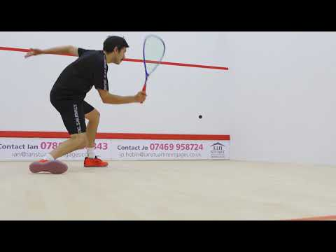 Squash tips: Amateur analysis with Jethro Binns - Open racket face
