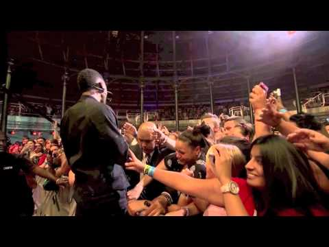 Usher - Love In This Club (Live at iTunes Festival 2012)