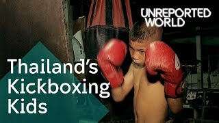 Video Muay Thai children fighting for cash | Unreported World MP3, 3GP, MP4, WEBM, AVI, FLV Desember 2018