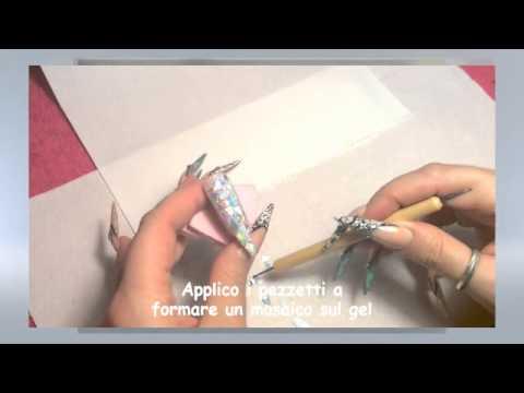 nail art dall'effetto mirror crystal