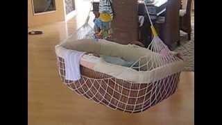 Therapeutically Baby Movement® Lullababy® Federwiegen mit KURZER (ca. 25 cm, schwingt bis 25 Kg) Fed
