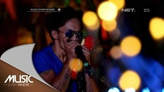 Video Slank - Foto Dalam Dompetmu - Music Everywhere MP3, 3GP, MP4, WEBM, AVI, FLV Desember 2017