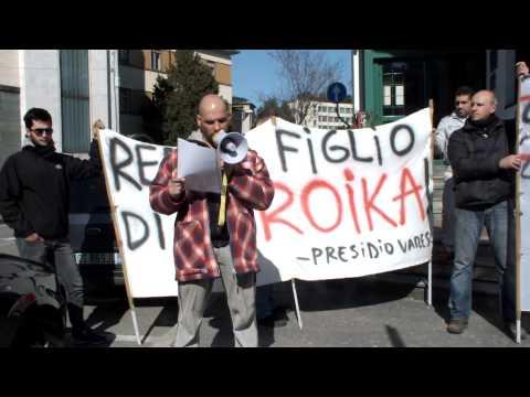 I forconi davanti alla sede del Pd Varesino