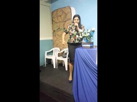 Fernanda de Paula     ( Louvando em Guariba )