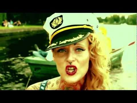 Video Jennifer Rostock - Der Kapitän (Official Video) download in MP3, 3GP, MP4, WEBM, AVI, FLV January 2017