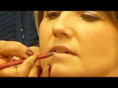 Semi Permanent Make up/Make up Artist Training at Dermacontour in London
