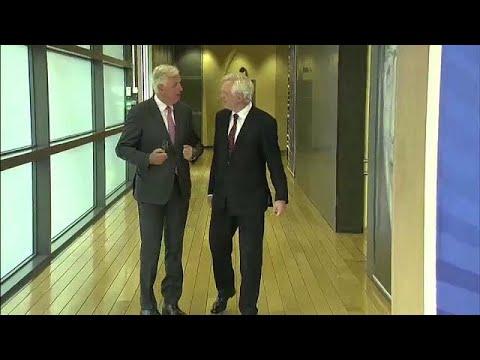 Brexit: Με αγκάθια ο τρίτος γύρος των διαπραγματεύσεων